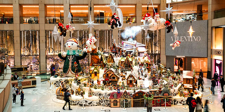 How to Enjoy Christmas in Hong Kong