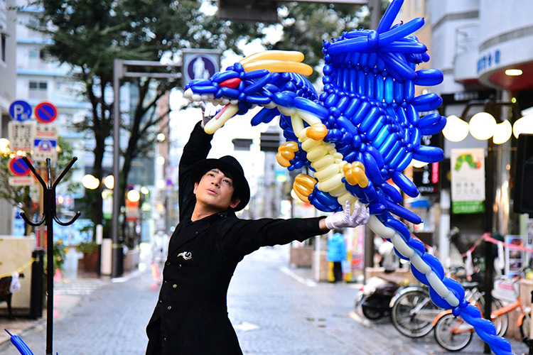 Balloon Artist Syan, Japan